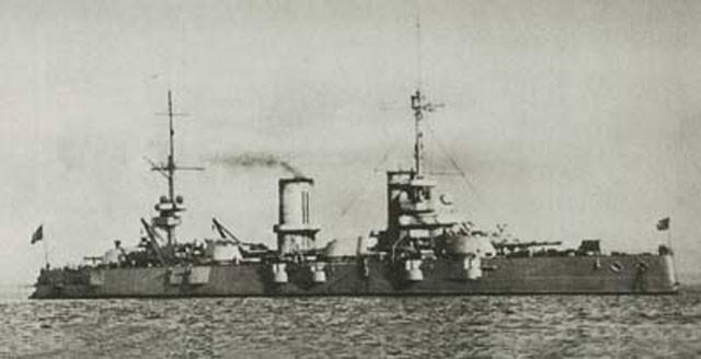 二战/二战苏联彼得罗巴甫洛夫斯克级战列舰...