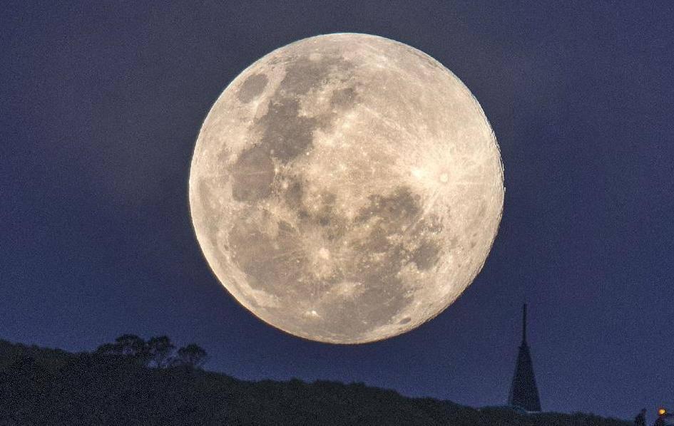 新西兰:超级月亮升起 美轮美奂 灌水·图片 论