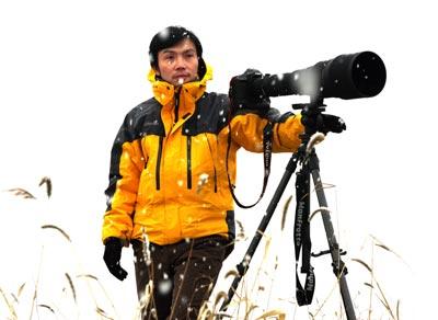 罗红曾13次进入非洲无人区拍摄野生动物。图片由罗红提供