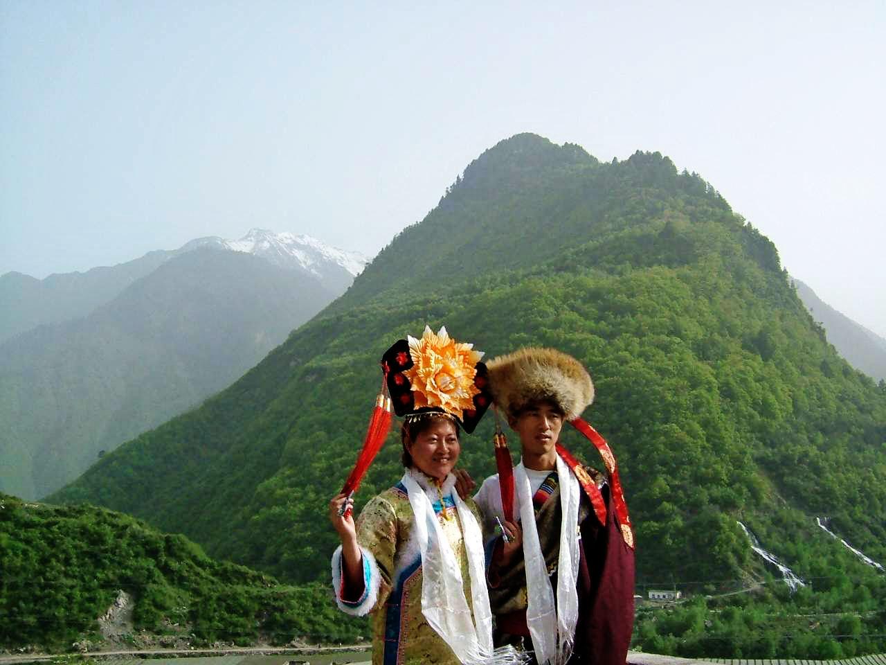 婚礼 阿坝/藏族和满族的婚礼──>哈达驿站添加