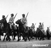 历届国庆阅兵上的军服变化:每一款都是时代回忆[转帖]