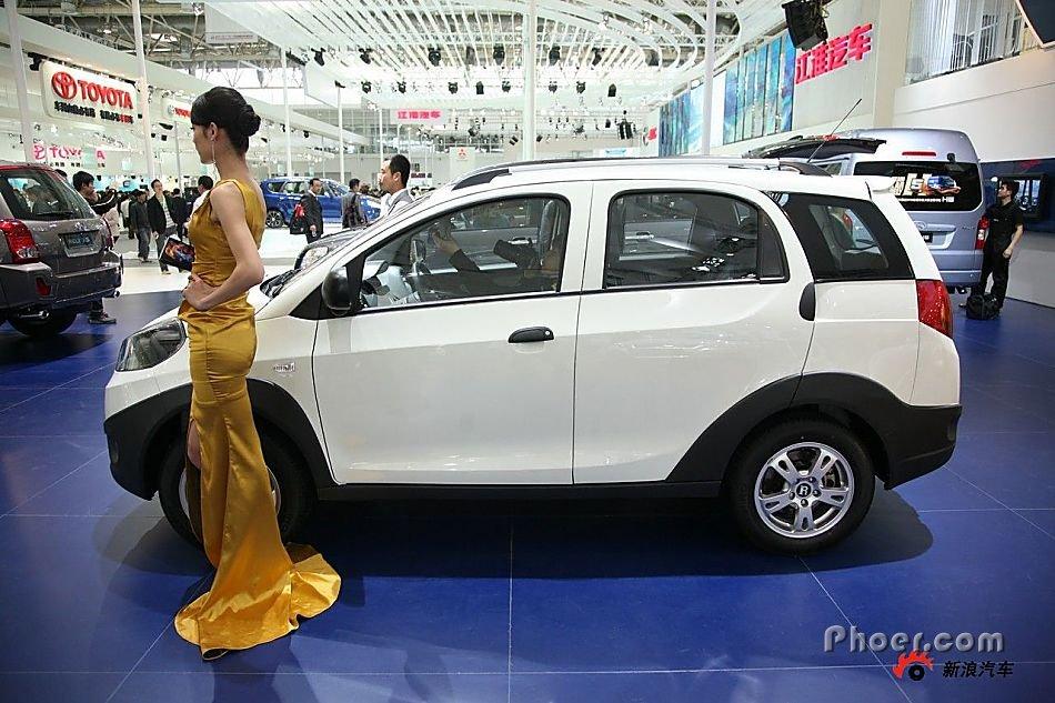 轮胎安全存隐患 奇瑞汽车召回3200辆瑞麒x1高清图片