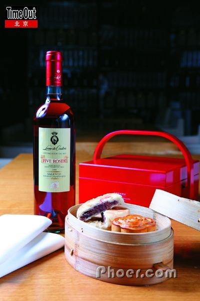 两款玫瑰月饼各有千秋-美酒课堂 十三款特色月饼配酒支招