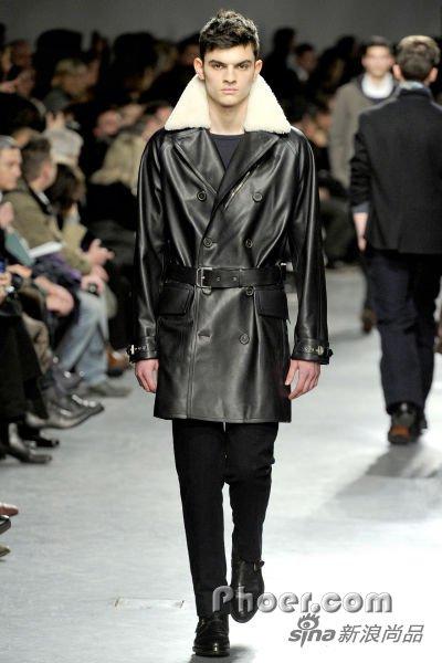 黑皮上衣-Herm黑色皮衣-帅气潇洒的风衣款皮衣